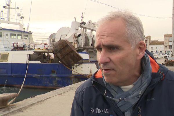 Pour Bernard Pérez, Président du CRPMEM (Comité Régional des Pêches Maritimes et des Elevages Marins d'Occitanie) Occitanie, la disparition de la flotte chalutière en Occitanie serait une catastrophe économique pour l'emploi.