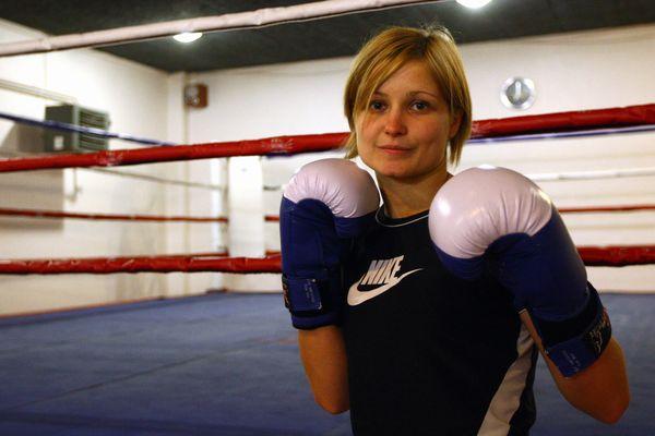 La boxeuse catalane Angélique Duchemin conserve son titre de championne d'Europe des super plumes - 2 avril 2017