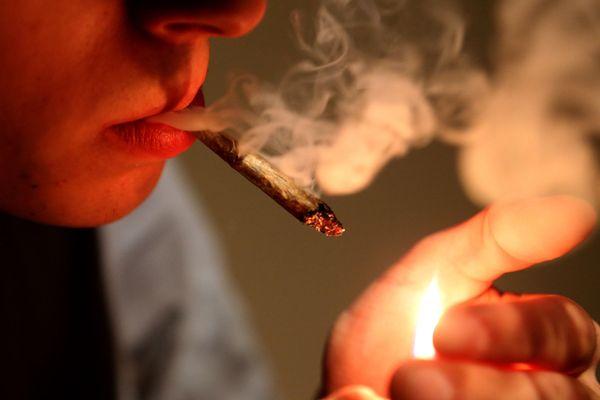 Les chercheurs ont découvert les cellules cérébrales confirmant le lien entre consommation de cannabis et sociabilté.