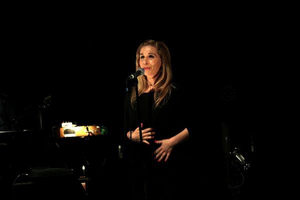 Barbara Carlotti sur scène en 2012 au Printemps de Bourges