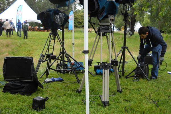 5 caméras.