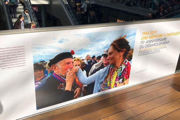 """L'exposition """"1944-2019 : une mémoire à partager"""" est présentée à la gare Saint-Lazare jusqu'au 6 juin."""