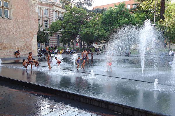 De l'eau, des arbres : la combinaison parfaite pour trouver de la fraîcheur en plein coeur de Toulouse durant ces fortes chaleurs