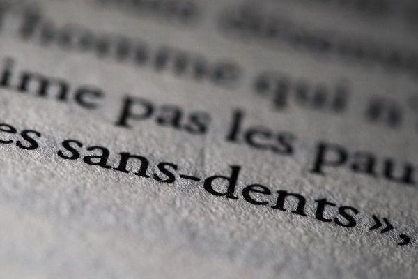 Les sans-dents, une phrase prononcée par le président de la République d'après l'ex-compagne à Noël dans sa famille à Angers.