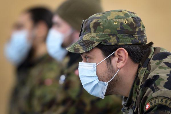 Les réservistes suisses mobilisés pour lutter contre la pandémie du coronavirus