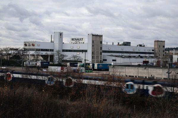 Jusqu'à présent, la Zoe et la Nissan Micra étaient produites à l'usine de Flins (Yvelines).