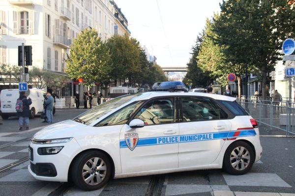 Les forces de police présentes dans les rues de Nice lors de l'attentat à la basilique Notre-Dame le 29 octobre dernier.