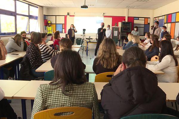 Une vingtaine d'élèves de seconde et de première des Lycées Fesch et Jules Antonini participe à ce concours.