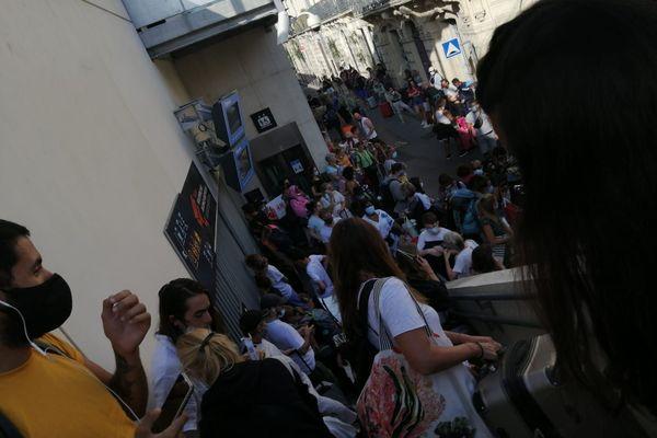 Toute la gare a été évacuée à Montpellier à la suite d'une alerte à une prise d'otage.