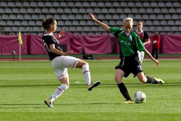 Stéphanie Roche, à droite sous les couleurs de son ancien club de Peamont.