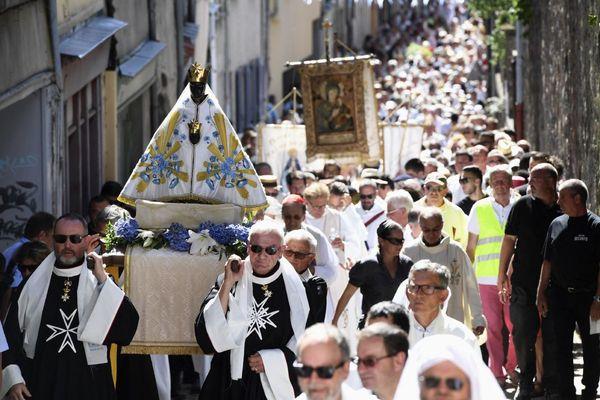 Le port du masque sera obligatoire cette année pour les fêtes mariales au Puy-en-Velay