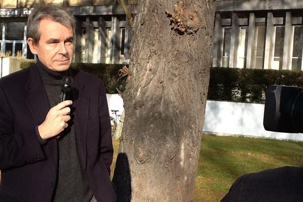 Eric Scherer, directeur de la prospective web et de la stratégie numérique du groupe France Télévisions en direct sur France 3 Lorraine à l'occasion d'Obsweb, jeudi 29 novembre 2012.