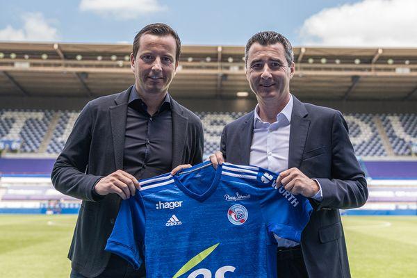 Julien Stéphan, nouvel entraîneur, et Marc Keller président du Racing Club de Strasbourg le 28 mai 2021