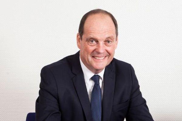 Bruno Lafon est maire de Biganos en Gironde. En 1999, il était vice-président du syndicat des sylviculteurs du département.