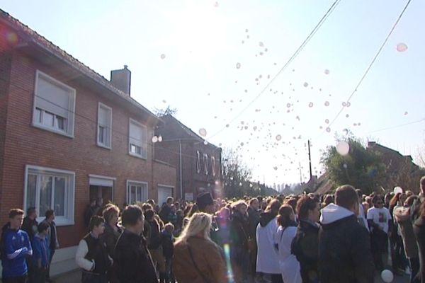 Un lâcher de ballon était organisé à Gonnehem en hommage à Antoine.
