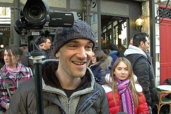 Aldebert et sa caméra lors du tournage du clip de T&Masson