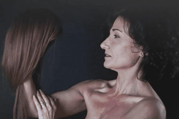 Les modèles de Barbara et Aurore ont toutes été atteintes d'un cancer du sein.