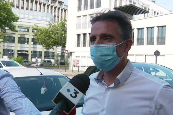 Le maire de Grenoble Eric Piolle, entendu le 1er juin 2021 en garde à vue pour des soupçons de favoritisme, s'est exprimé devant la presse en fin d'après-midi.