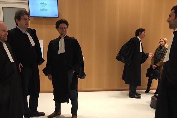 Les avocats de la partie  civile ont demandé de fortes sommes de dédommagement pour le préjudice subi par leurs clients