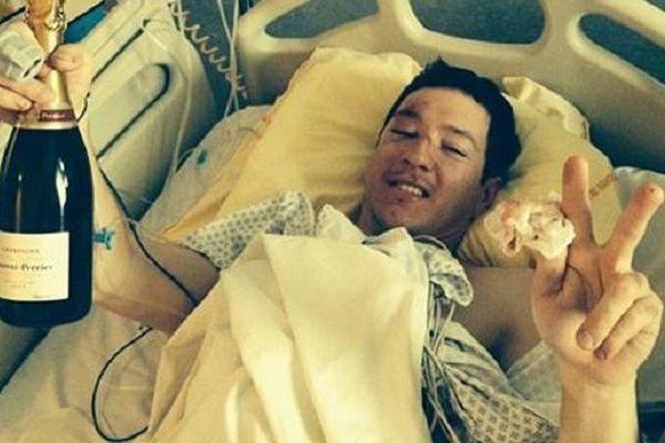 Polo De Le Rue sur son lit d'hôpital à Toulouse, photographié par son frère Xavier