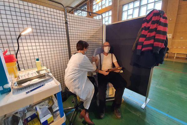Pour faciliter l'accès des plus de 75 ans au vaccin contre le COVID 19, les mairies de Haute-Loire ont lancé une campagne de recensement.