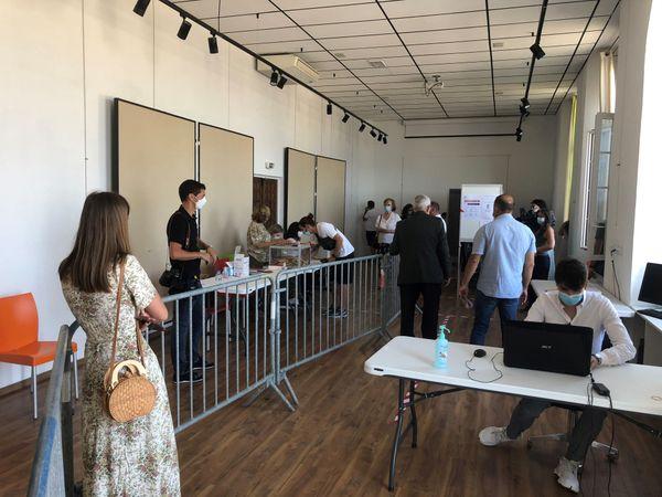 A l'intérieur du bureau de vote, tout a été fait pour respecter les règles et les gestes barrière.