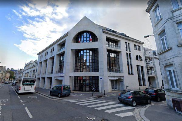 Commissariat de police d'Amiens rue des Otages, août 2020.