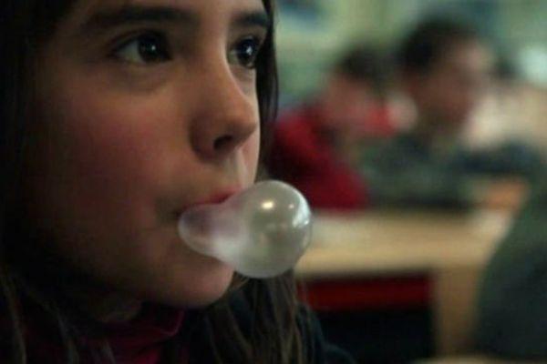 Chewing-gum ou boulettes de papier, les bêtises à l'école peuvent servir.