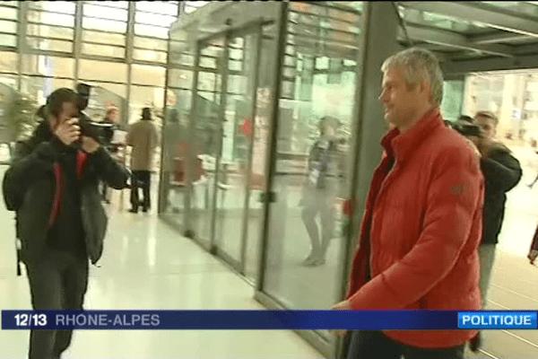 L'arrivée de Laurent Wauquiez au conseil régional dans la matinée
