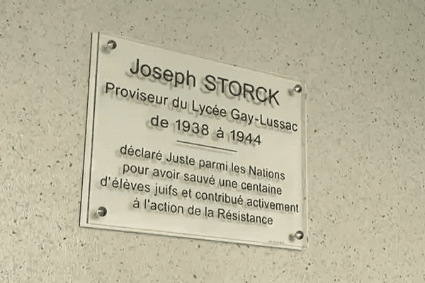 Une plaque a été dévoilée au lycée Gay-Lussac de Limoges en hommage à Joseph Storck le 4 novembre 2015