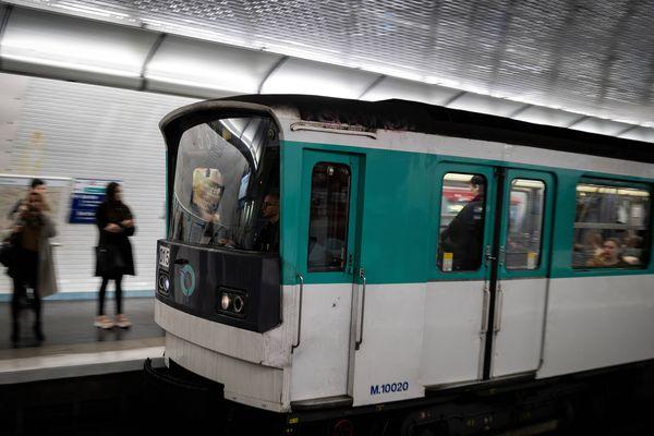 Il y aura moins de métros dès lundi en raison du coronavirus.