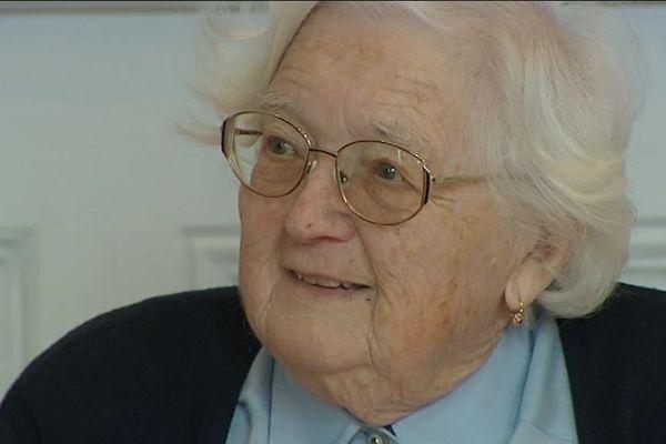 Colette Bourlier passe sa thèse à l'âge de 91 ans