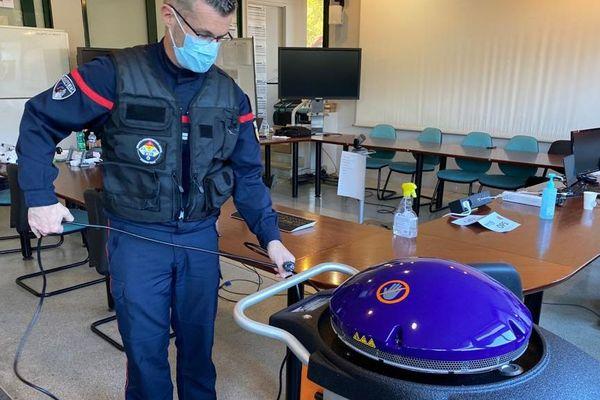 Jacqueline, le robot de décontamination expérimenté par les sapeurs-pompiers des Bouches-du-Rhône