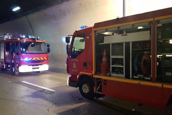 Un automobiliste a trouvé la mort dans le tunnel de Monaco. 11 Sapeurs des Alpes-maritimes étaient sur place et 13 de Monaco
