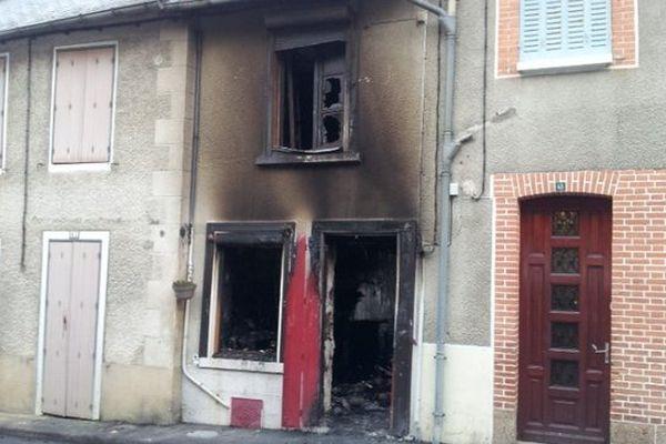 La maison de Bénévent l'Abbaye ravagée par les flammes