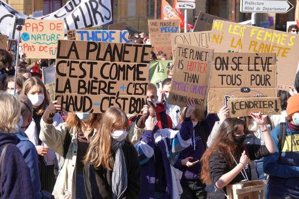"""Nouvelle marche pour le climat samedi 4 septembre à Metz. """"Il s'agit d'inciter les pouvoirs publics à accentuer la lutte contre le réchauffement climatique""""."""