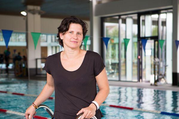 la nouvelle ministre des sports, Roxana Maracineanu est la première française devenue championne du monde de natation en remportant le 200m dos, en 1998.