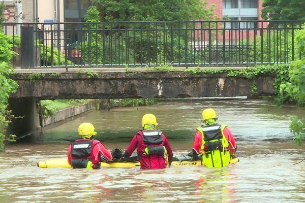Le Thérain a atteint des niveaux historiques en raison des pluies diluviennes de la nuit du 21 au 22 juin 2021.
