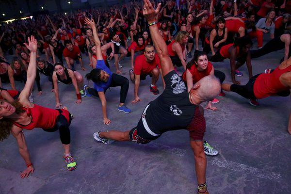 Un concours de fitness géant