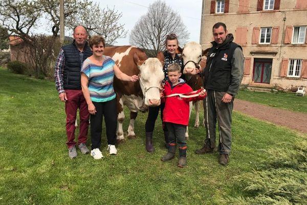 Après Griotte, c'est sa fille Occitanie, vache élevée à Bains (Haute-Loire) qui remporte le prix de Miss Montbéliarde.