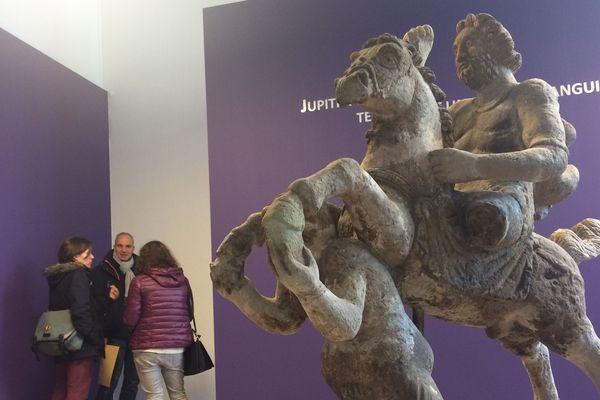 Retour d'une sculpture gallo-romaine à Clermont-Ferrand. Le musée Bargouin a fait l'acquisition d'une pièce exceptionnelle « Jupiter et l'anguipède » qui va enrichir ses collections archéologiques.