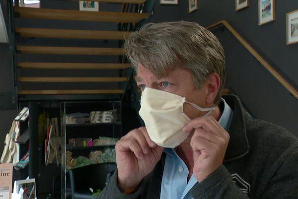Boldoduc, fabricant de textiles à usage technique basé près de Lyon, a été l'un des premiers à répondre à l'appel à projet de l'armée pour la production de millions de masques réutilisables.