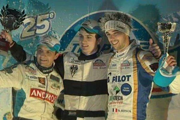 Franck Lagorce, Christophe Ferrier et Nathanaël Berthon sur le podium du Trophée Andros électrique