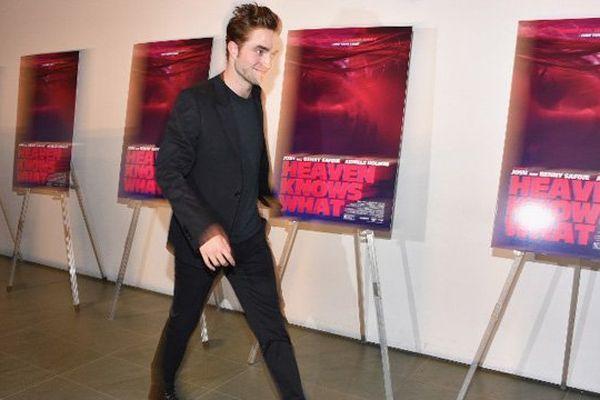 Robert Pattinson, retenu sur le tournage d'un film de James Gray, annule sa venue au festival de Deauville