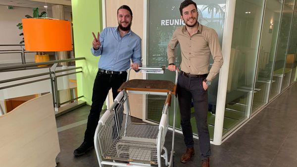 Ce sont ces deux jeunes Grassois, Dylan Letierce et Jonathan Malgogne qui ont créé ce chariot connecté qui devrait nous en faire gagner beaucoup, du temps !