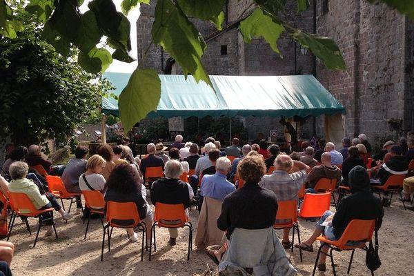 "1er festival ""Ecrits d'août"" à Eymoutiers"