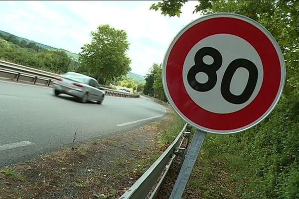 Depuis le 1er juillet 2018, les routes secondaires non pourvues d'un séparateur central passent de 90 à 80 km/h.