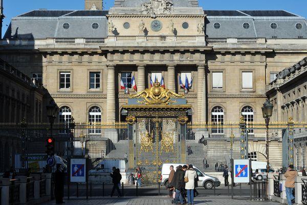 Photo prise le 02 mars 2010 de la facade du Palais de justice de Paris.
