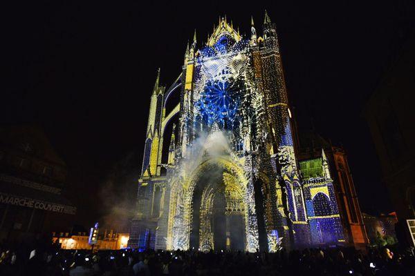 L'intérieur de la cathédrale de Metz peut être visité la journée et l'extérieur, admiré la nuit !