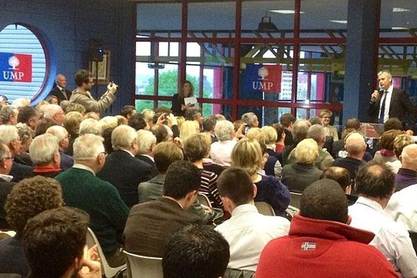 Laurent Wauquiez,vice-président de l'UMP, a animé une réunion publique lundi 29 avril à Montceau-les-Mines, à la salle du centre nautique.
